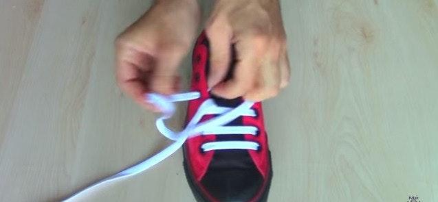 是五種穿鞋帶的方法這篇文章的首圖