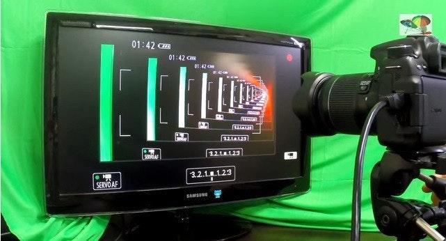 是鏡頭與螢幕的無限顯示遊戲這篇文章的首圖
