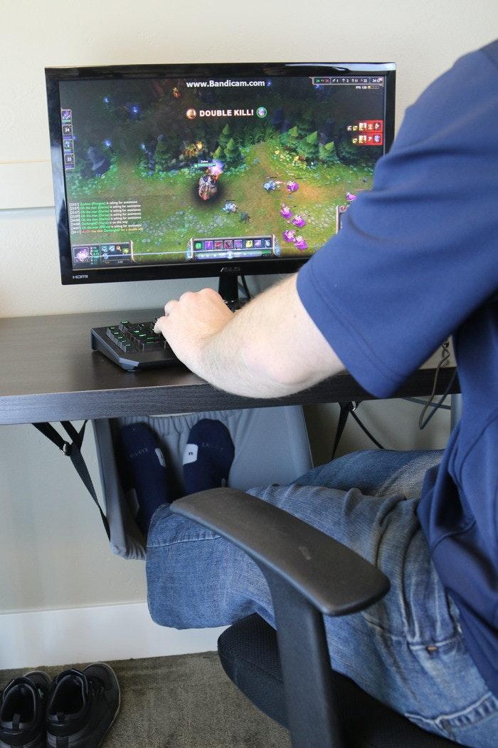 是電腦桌下低調的蹺腳神器-The Foot Hammock這篇文章的首圖