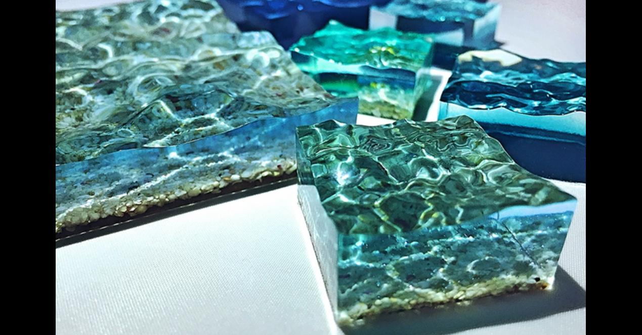 Sina Weibo, Art, Photography, Illustration, Microblogging, Sina Corp, , Illustrator, Sculpture, , Okinawa Churaumi Aquarium, Blue, Aqua, Turquoise, Rock, Turquoise, Electric blue, Fashion accessory