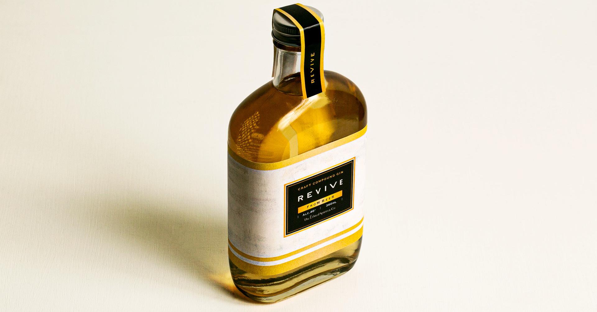 照片中提到了CRAFT COMPOUND GIN、REVIVE、FROM BEER,跟斯維維亞有關,包含了酒、エシカルスピリッツ株式會社、清酒、英博、杜松子酒