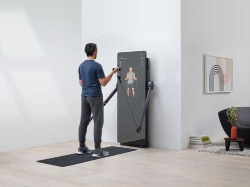 家裡的鏡子健身房