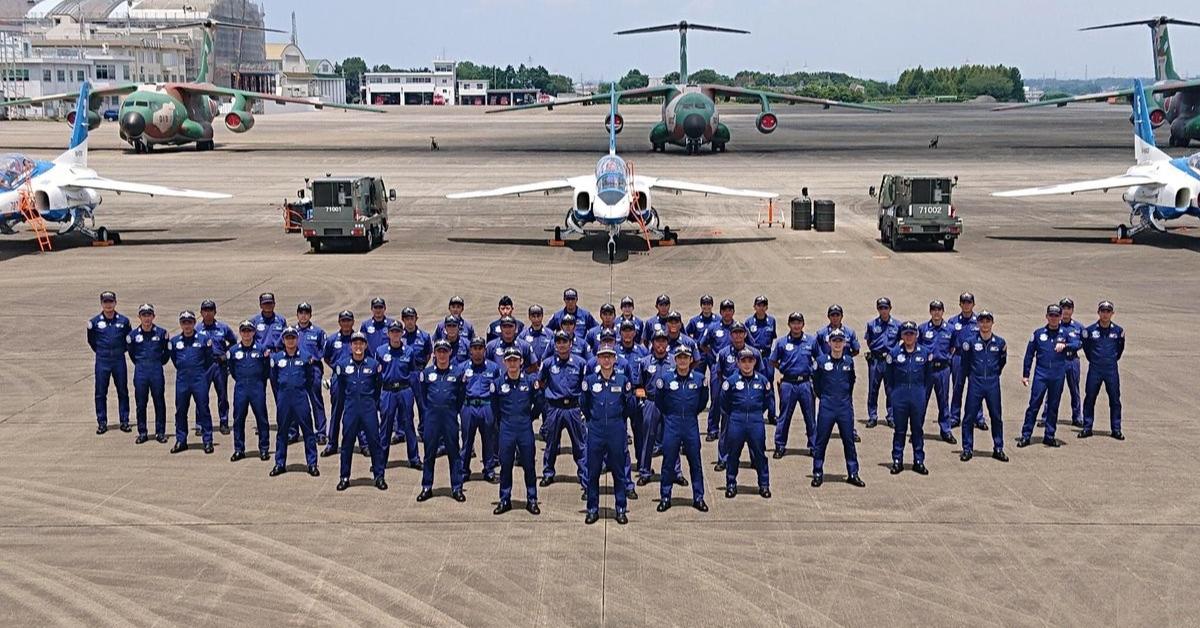 照片中提到了| 71002,包含了空軍、日本航空自衛隊、藍色衝動、日本自衛隊、國防部