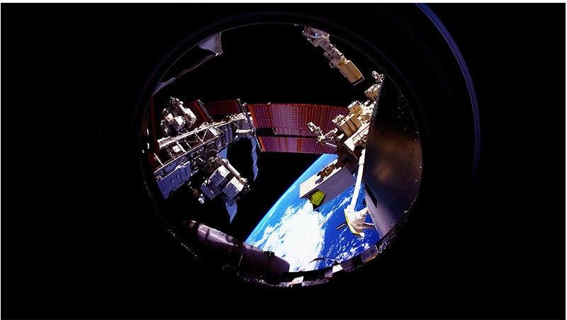 是使用 80GB 國際太空站的照片製成超華麗 Timelapse這篇文章的首圖
