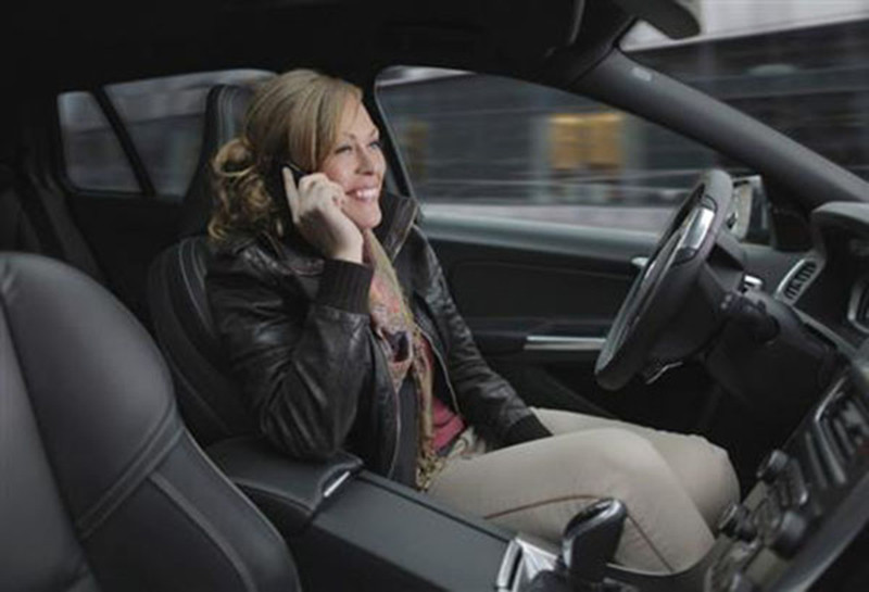"""是無人駕駛汽車苦等""""綠燈""""這篇文章的首圖"""