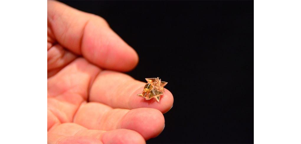 是不是電影特效!結合摺紙藝術與電磁驅動的微型機器人這篇文章的首圖