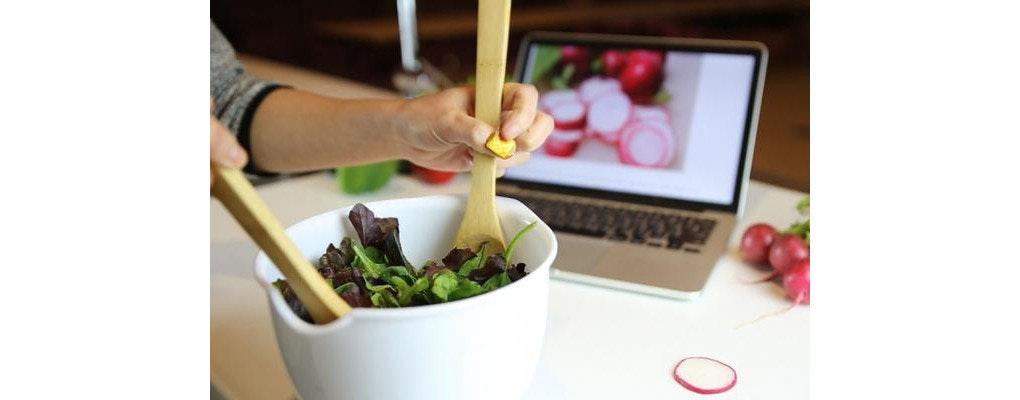 是迷你拇指觸控板,會是料理時的智慧型小幫手嗎?這篇文章的首圖