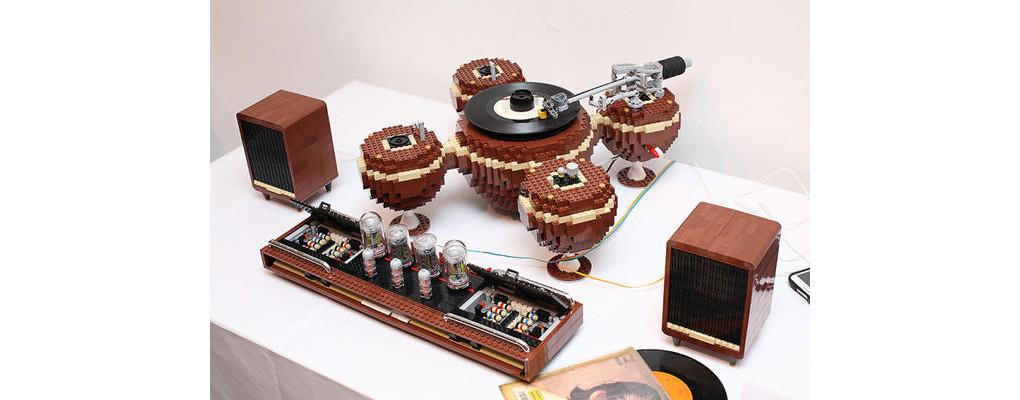 是播放OK!可完美運作的樂高拼裝黑膠唱片機這篇文章的首圖