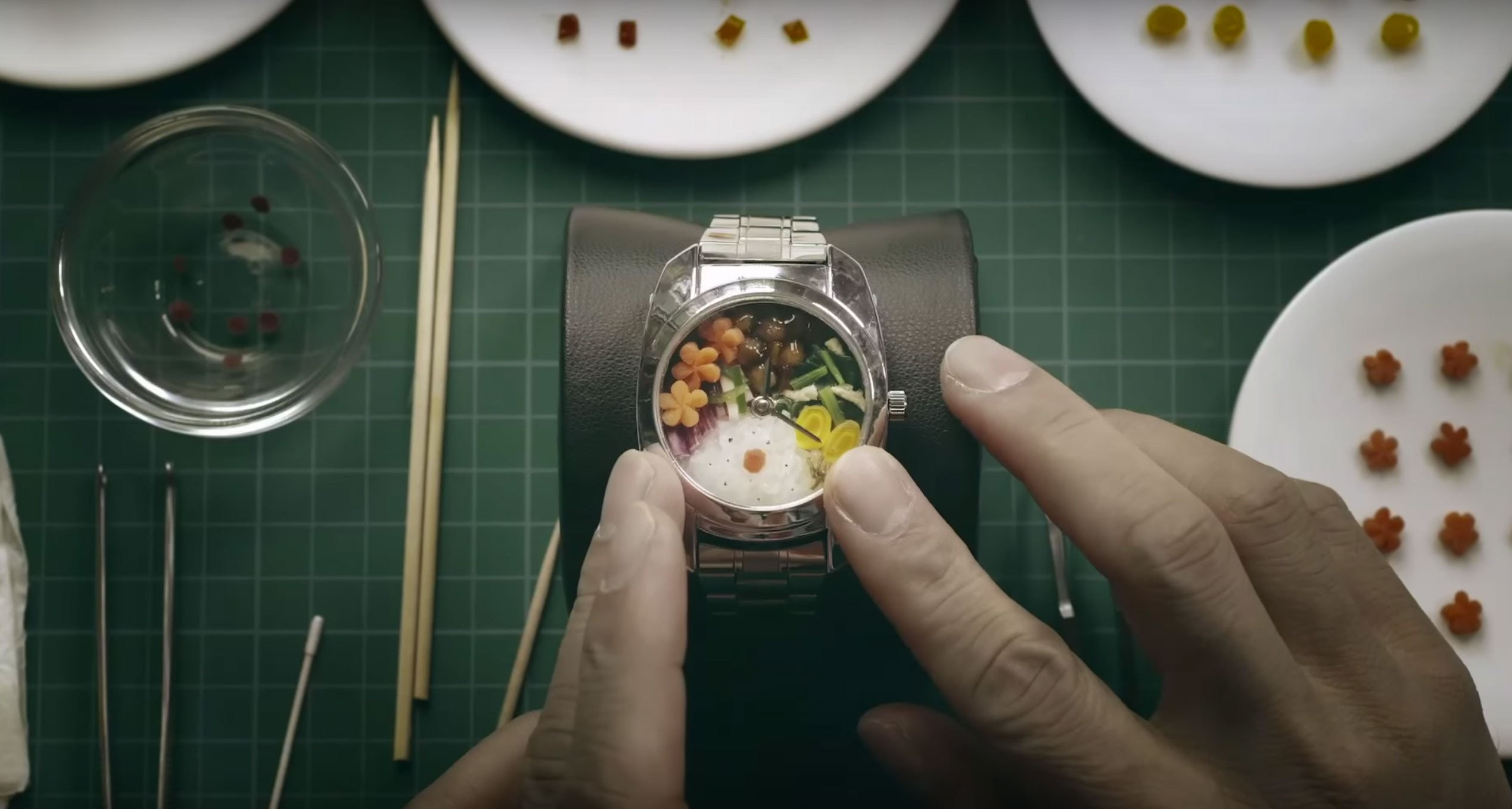 Bento, Watch, Eating, Food, Pebble, Meal, Lunch, Smartwatch, Lunchbox, Breakfast, 手錶 便當, finger, hand, nail