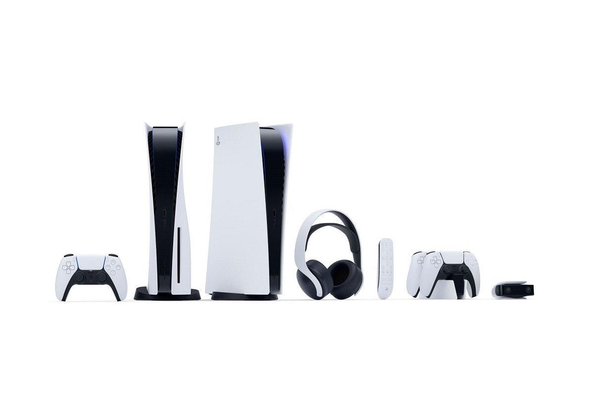 照片中包含了的PlayStation 5、的PlayStation 4、雙感、的PlayStation 5、了索尼