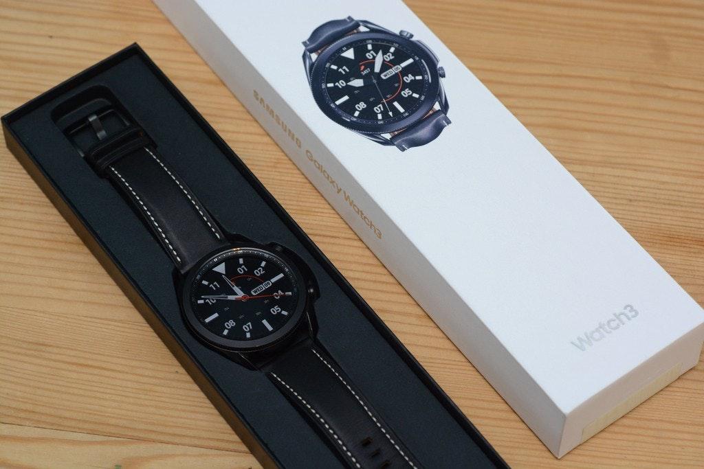 照片中提到了WED O、01、02,跟瓦哈卡有關,包含了看、看、產品設計、錶帶、牌