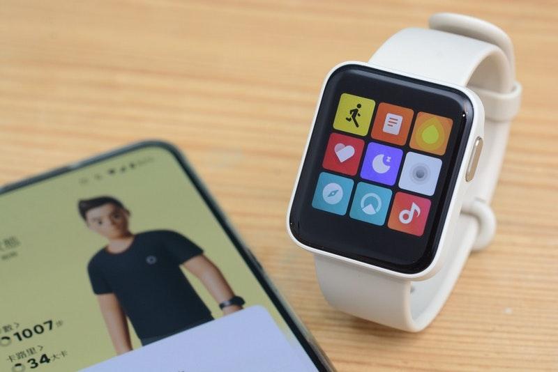 小米手錶超值版評測心得:1.4吋彩色螢幕、支援GPS地磁氣壓計、重量35g、售價1495元