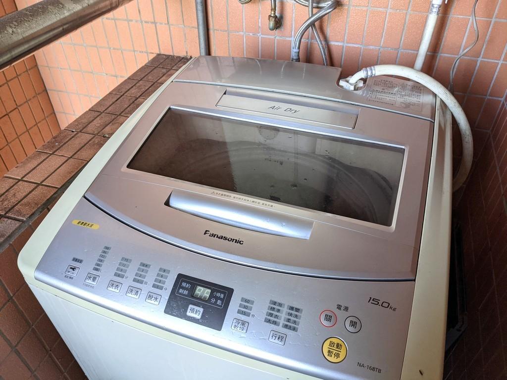 照片中提到了Fanasonic、15.0kg、12,包含了洗衣機、大家電、洗衣機、產品設計、電子產品