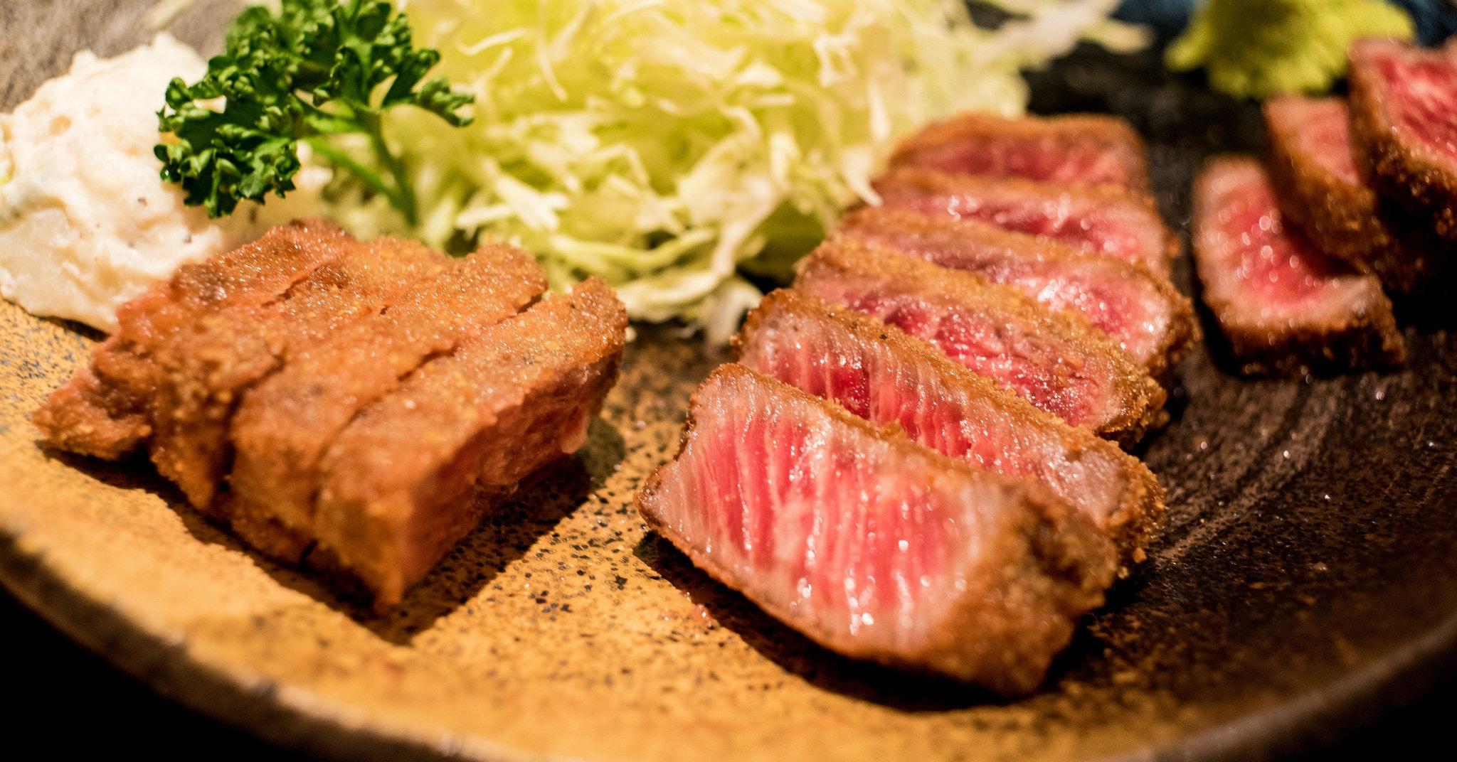 是[面白日本] 炸的牛排,從關西逆襲關東的絕頂美食!這篇文章的首圖