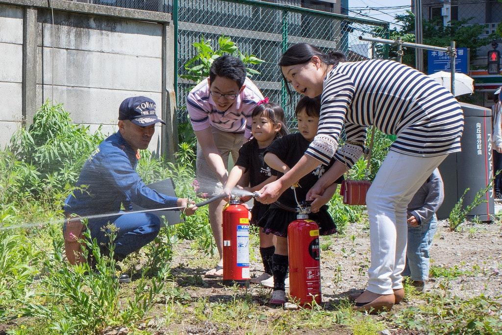 是[面白日本] 蕎麥麵老闆也會打火!?看日本防災訓練如何教會國民「自己救災」!這篇文章的首圖