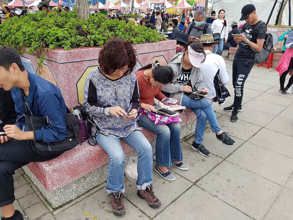 Social group, Recreation, Product, Tree, Social, Event, social group, social group, infrastructure, street, sitting, recreation, interaction, fun, crowd, road, girl
