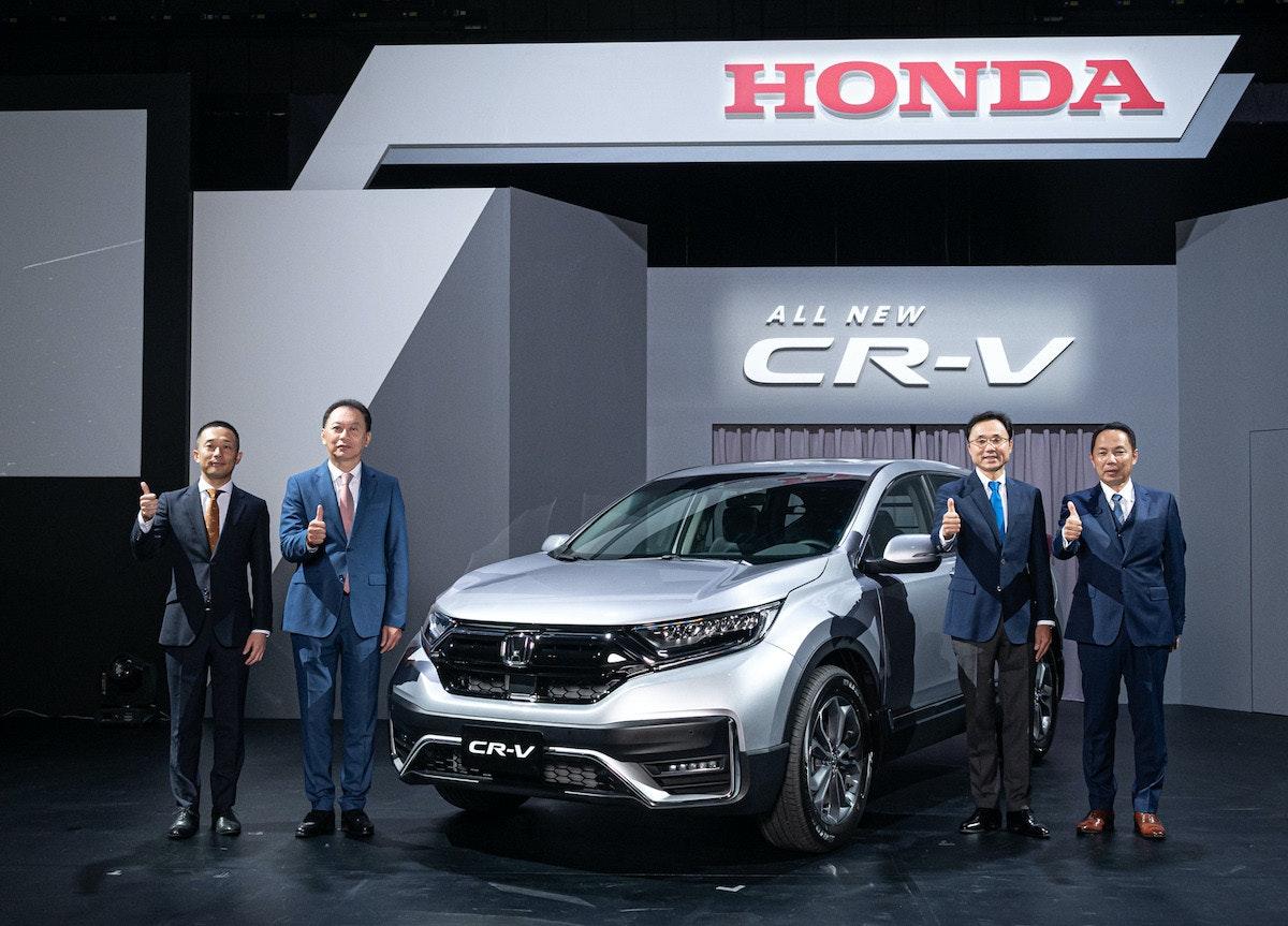 照片中提到了HONDA、ALL NEW、CR-V,跟本田、本田有關,包含了車展、車展、寶馬M3、雷克薩斯、豪華車