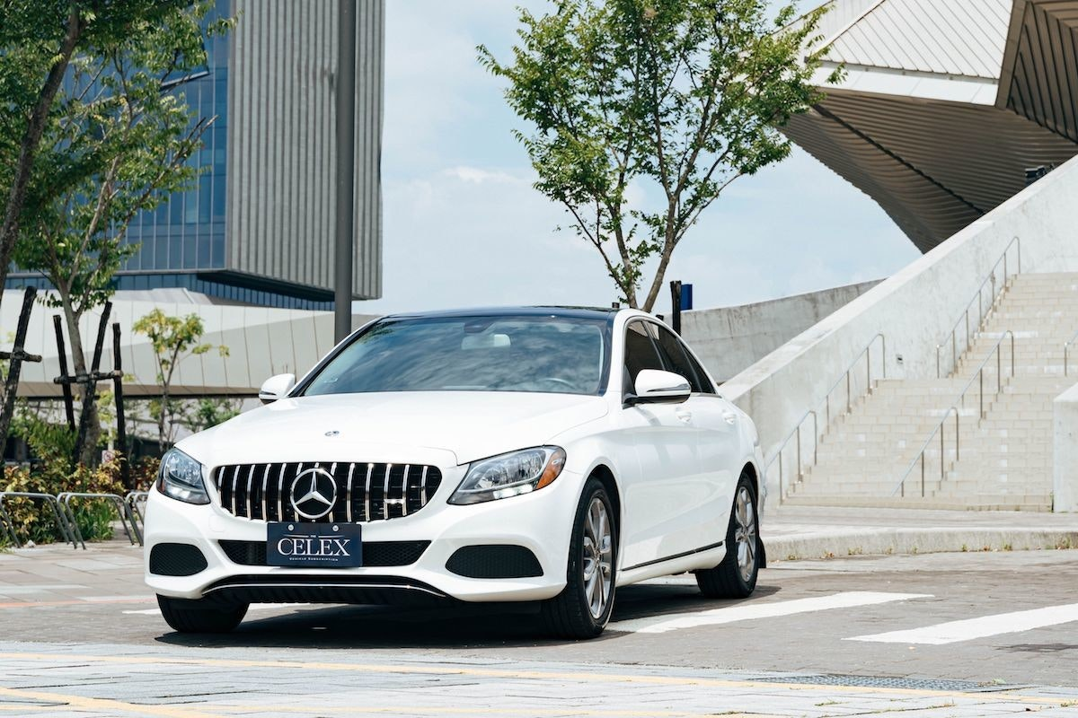 照片中提到了CELEX,包含了個人豪華車、梅賽德斯·奔馳C級、汽車、個人豪華車、梅賽德斯·奔馳