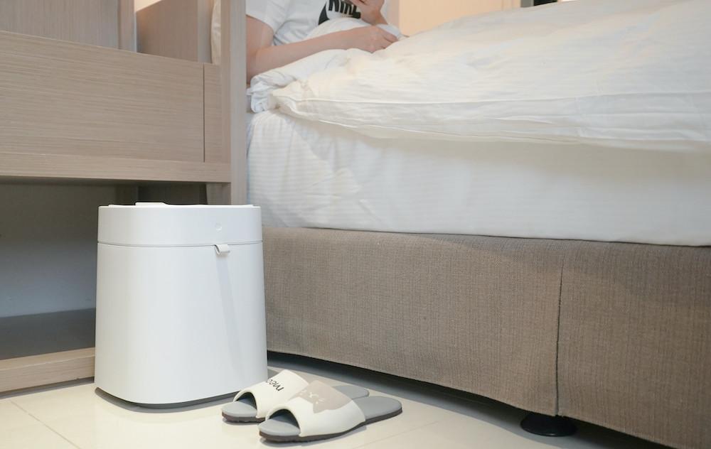 照片中包含了地板、產品設計、室內設計服務、地板、床墊