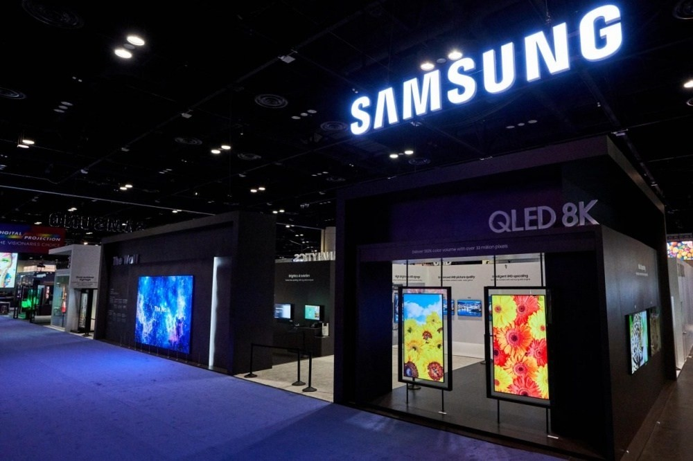 InfoComm 2019, , Display device, Samsung MagicInfo Client License, , Samsung Group, Samsung, Samsung Galaxy, , Display advertising, display device, Building, Lighting, Design, Technology, Architecture, Facade, Display device, Electronics, Electronic device, Night