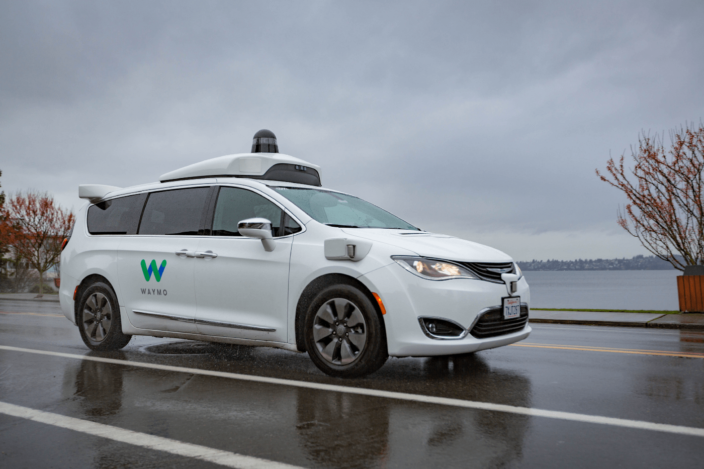 Google driverless car, Car, Self-driving car, Driving, Vehicle, Tesla, Inc., Chrysler Pacifica, Jeep, Waymo, , Self-driving car, Land vehicle, Vehicle, Car, Mid-size car, Automotive design, Family car, Full-size car, Infrastructure, Hatchback, Luxury vehicle