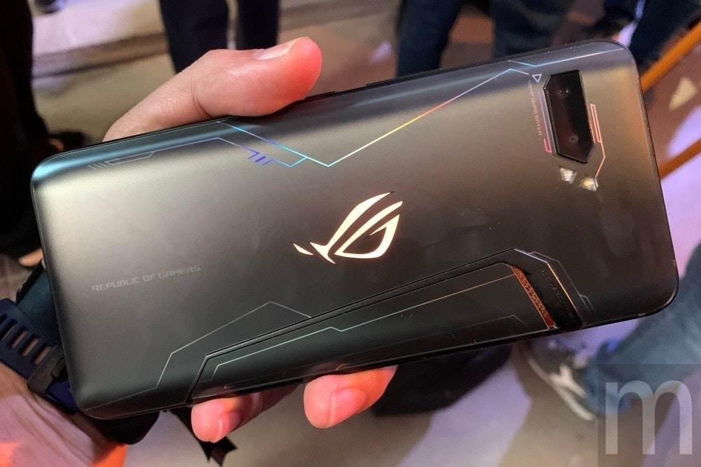 ROG Phone, IFA 2019, , Asus, Handheld Devices, ASUS ROG Phone (ZS600KL), Auto show, Taiwan, Terabyte, Electronics, fashion accessory, Gadget, Electronic device, Technology, Material property, Gloss, Nail, Smartphone, Netbook, Mobile device