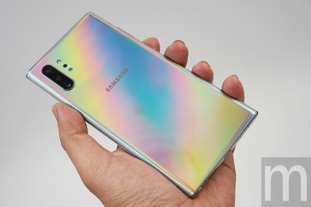 照片中提到了Im、SAMSUNG,跟三星集團有關,包含了三星、手機、三星Galaxy Note、三星Galaxy Fold、三星Galaxy Note 10