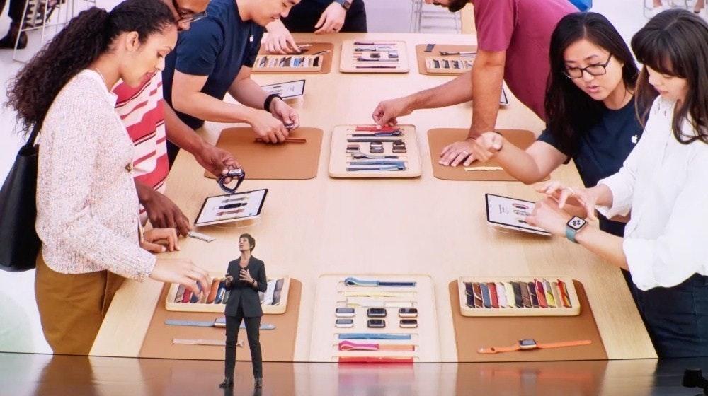 照片中包含了蘋果手錶工作室、迪爾德·奧布萊恩、iPhone 11專業版、蘋果、看