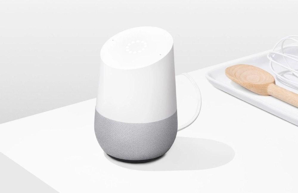 照片中包含了google home尺寸、HomePod、亞馬遜迴聲、智能音箱、谷歌主頁