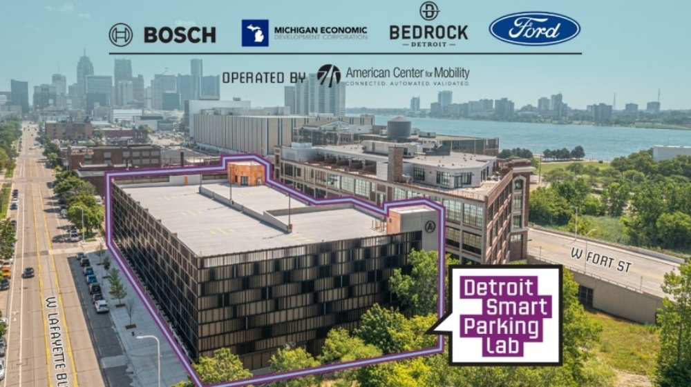 照片中提到了BEDROCK、Ford、BOSCH,跟福特汽車公司、羅伯特·博世有限公司有關,包含了停車處、停車處、停車場、羅伯特·博世、車庫