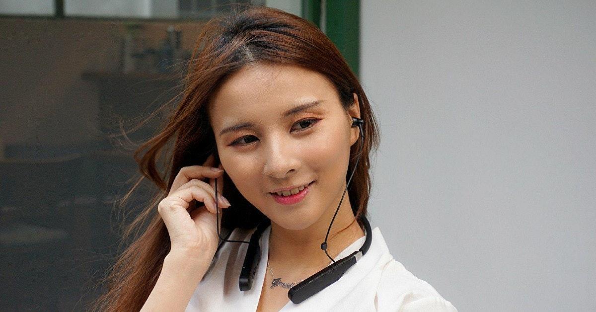 Audio, Girl, Beauty.m, beauty, beauty, girl, eyebrow, audio, brown hair, long hair, audio equipment, smile, lip