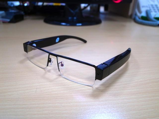 是【瘋狂Buy】1080P高清多功能攝錄眼鏡這篇文章的首圖