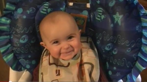 是挑戰一秒落淚達人,得獎的是10個月大的寶包這篇文章的首圖