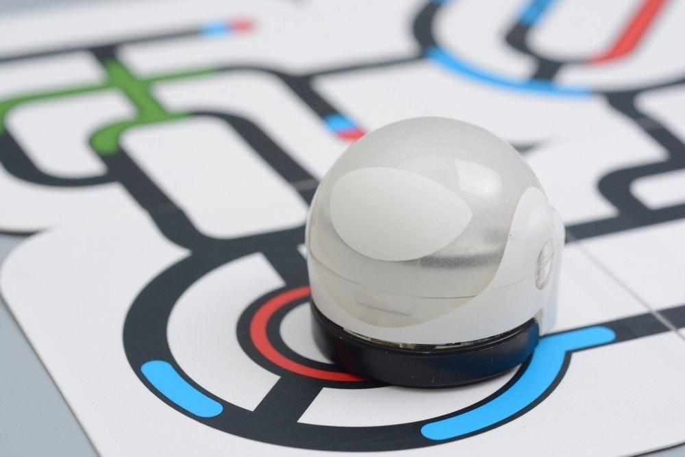 是畫軌道讓它跑、用顏色下指令 Ozobot路徑機器人這篇文章的首圖