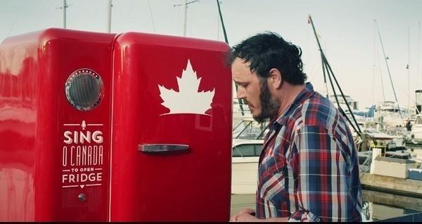 是挑戰恥力,唱完國歌送免費冰啤酒的愛國販賣機這篇文章的首圖