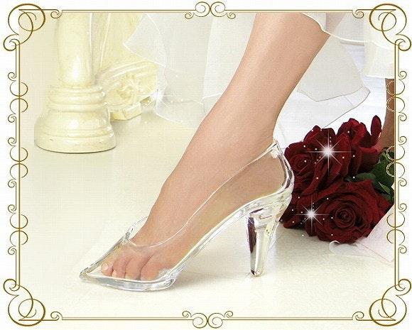 是真正的玻璃鞋被日本玻璃工藝師父製作出來了!這篇文章的首圖