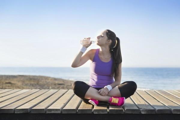 是運動中一定要喝水?這篇文章的首圖