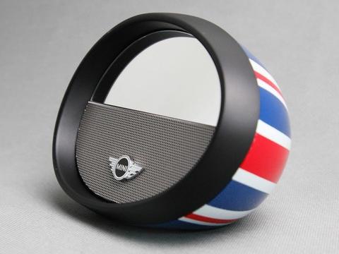 是喜歡但買不起 BMW Mini ?那這個後照鏡造型的藍牙喇叭應該親民些這篇文章的首圖