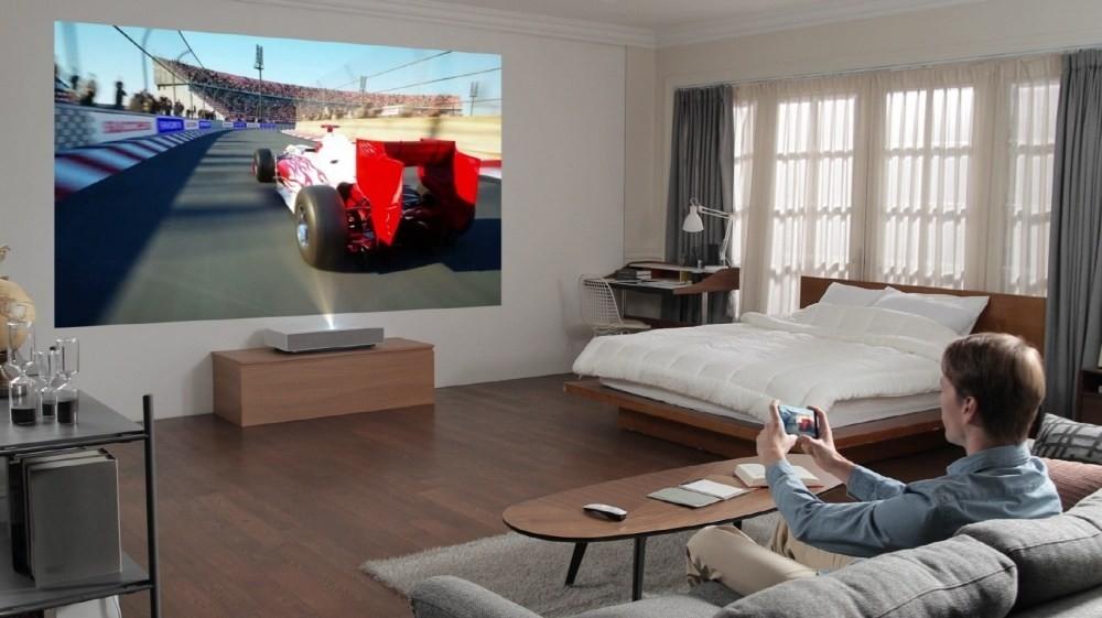 是LG將於CES 2019展示輕巧、可短距投放120吋畫面的雷射投影機這篇文章的首圖
