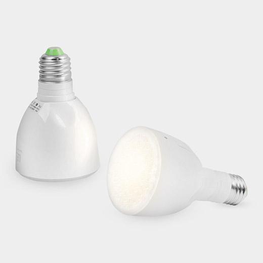 是能夠拿出戶外使用,停電時更顯得價值所在的充電LED燈泡這篇文章的首圖