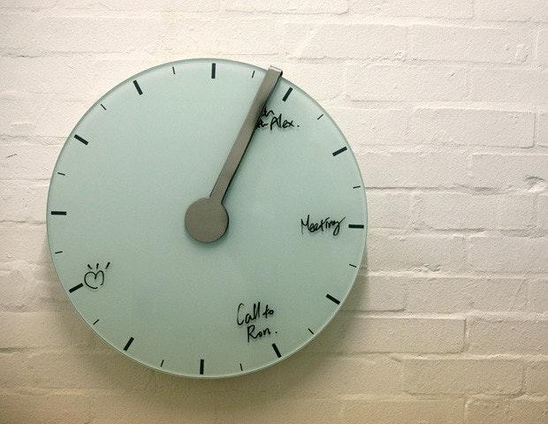 是[實用] 逃避現實白板鐘-是鐘也是記事板這篇文章的首圖