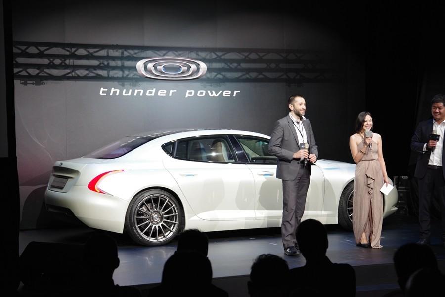 是俥科技: 2015 年亮相的 Thunder Power 在台展示首款四門房車,並預計 2019 年率先推出限量版雙門 Coupe這篇文章的首圖