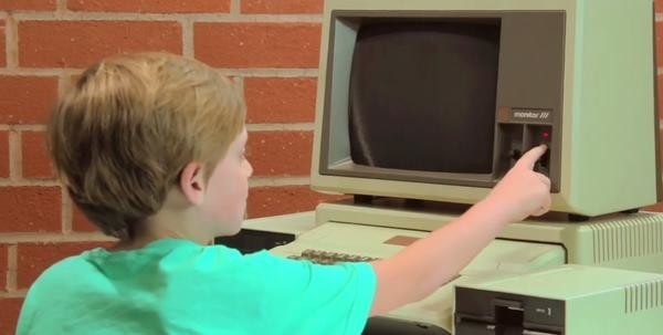 是平板世代小孩遇上 Apple II這篇文章的首圖