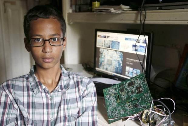 是 一名9年級Maker因他的時鐘專題被懷疑是炸彈遭逮捕這篇文章的首圖