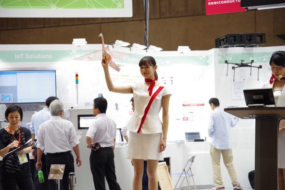 是CEATEC 2017 : ROHM 羅姆半導體全新遙控紙鶴登場,這次還與和紙大師打造金箔版本這篇文章的首圖