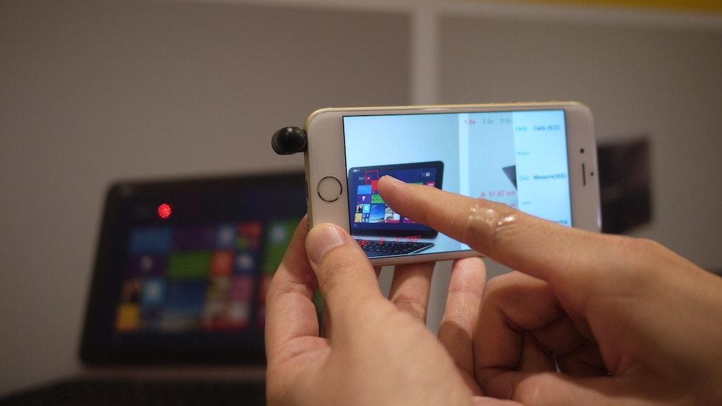 是Computex 2015:iPin 推出裝載在 iPhone 耳機孔上就可使用的雷射尺這篇文章的首圖
