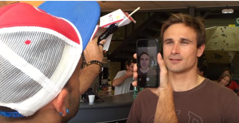是大麥克的紙盒+iPhone拍出生動人物肖像這篇文章的首圖