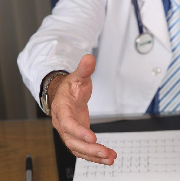 是看病要先詢問病患的性取向?英國新規定惹議這篇文章的首圖