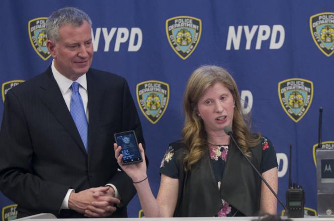 是紐約市警局花納稅人錢採購了 3 萬 6 千隻 Windows Phone ,現在被迫要跳系統了這篇文章的首圖